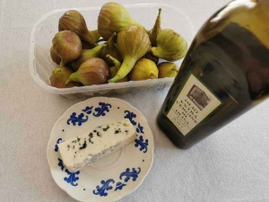 figs with roquefort